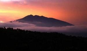 Cerita Mistis Beberapa Gunung di Indonesia